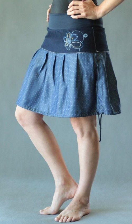 handgemachte Mode – LaJuPe - blauer Rock mit Punkten