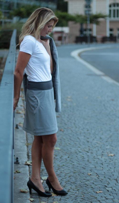 detailed look b761e 33dbb grauer kurzer Rock - Originale handgemachte Mode nach Maß