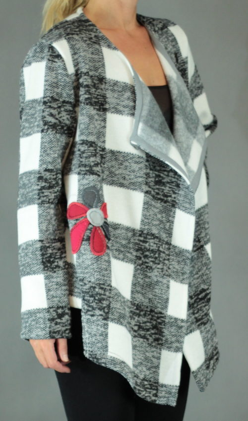handgemachte Mode – LaJuPe - schwarze Strickjacke