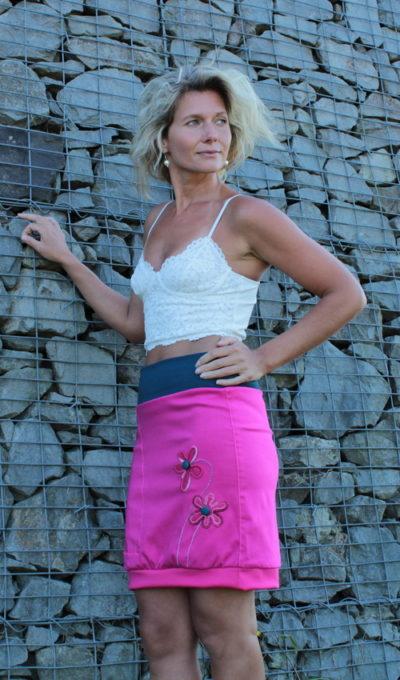 handgemachte Mode – LaJuPe - langer rosa Rock