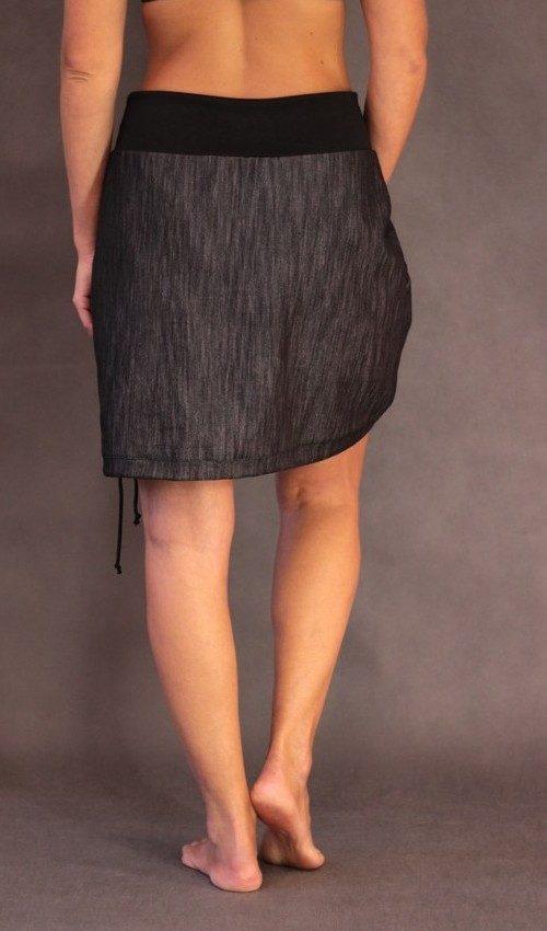 handgemachte Mode – LaJuPe - schwarzer Rock knielang