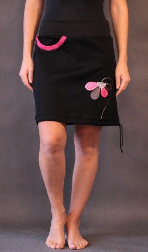 handgemachte Mode – LaJuPe - Schwarzer rock mit Blumen