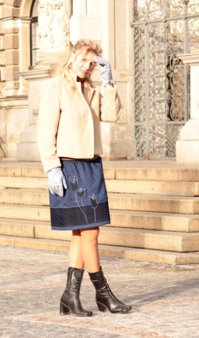 handgemachte Mode – LaJuPe - blauer Rock knielang