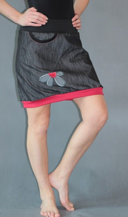 handgemachte Mode – LaJuPe - schwarzer knielanger Rock