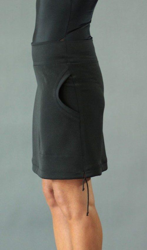 handgemachte Mode – LaJuPe - kurzer Rock schwarz