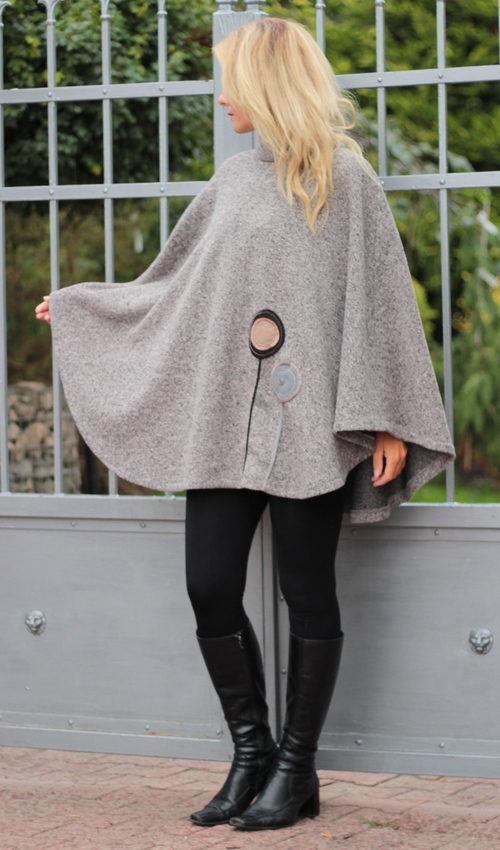 handgemachte Mode – LaJuPe - Poncho braun